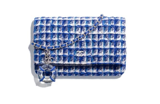 Chanel/香奈儿 经典链条钱包, 斜纹软呢与名贵树脂., 蓝、白与银.  A33814 Y33439 MF566 12.3 × 3 × 19 cm